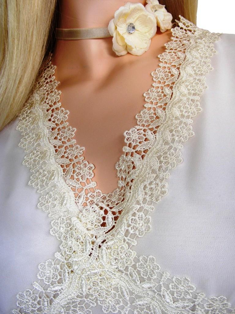 Svatební šaty skrajkou