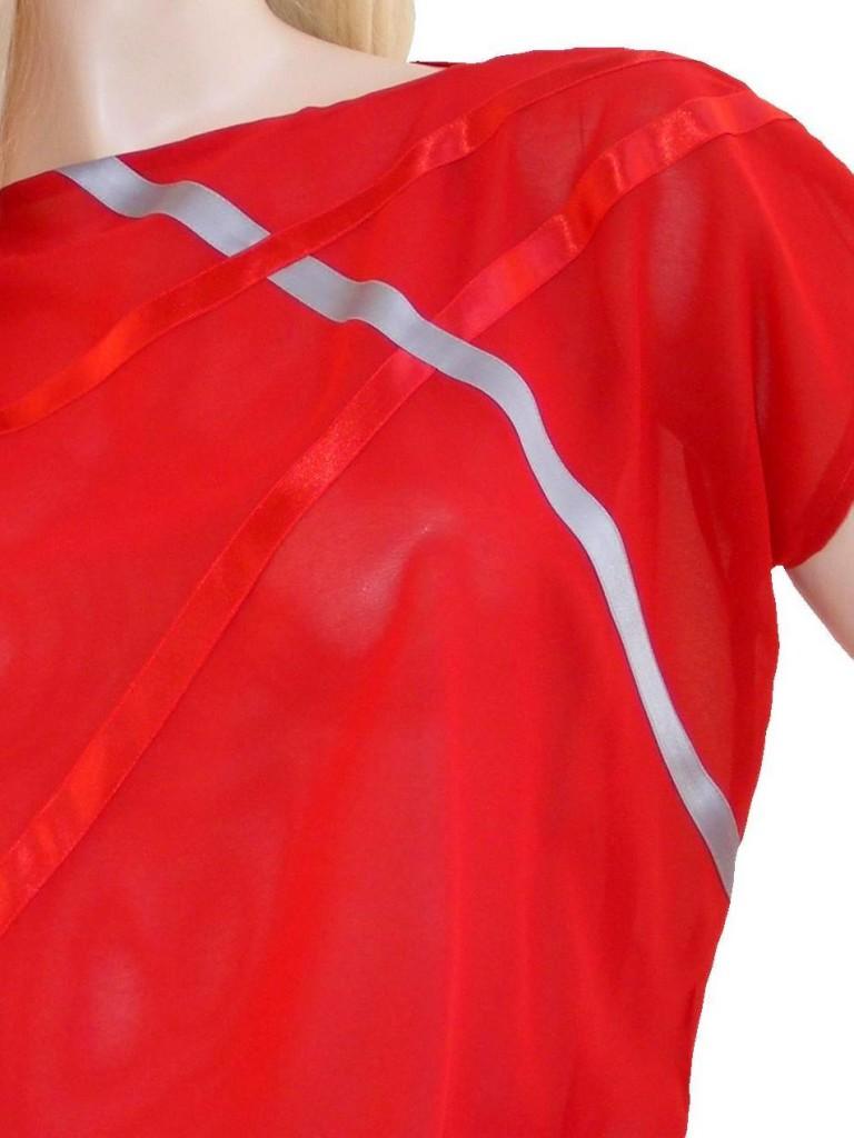 Fotografie pro model – Červená halenka sesaténovými proužky