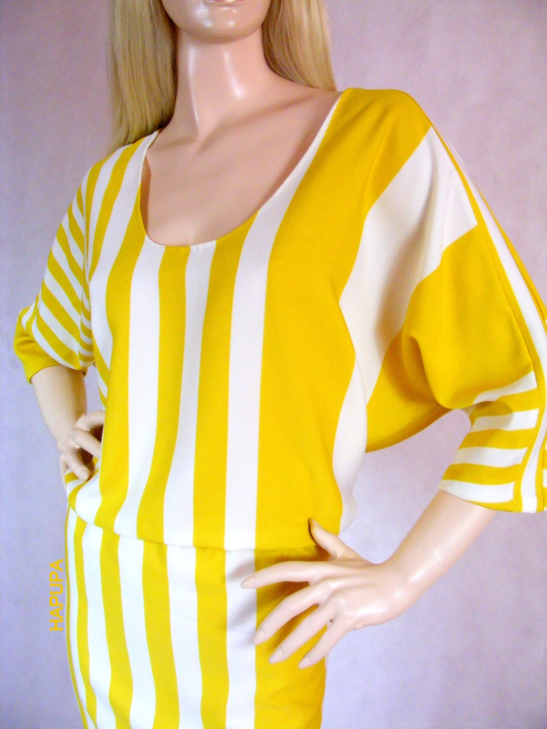 Fotografie pro model – Pruhované šaty