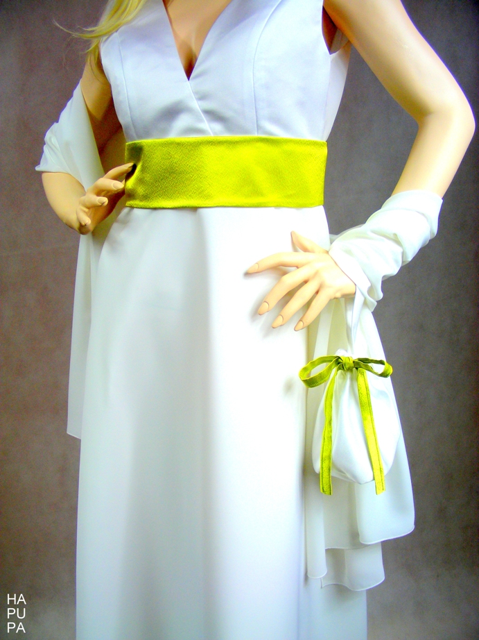 Svatební šaty sdoplňky