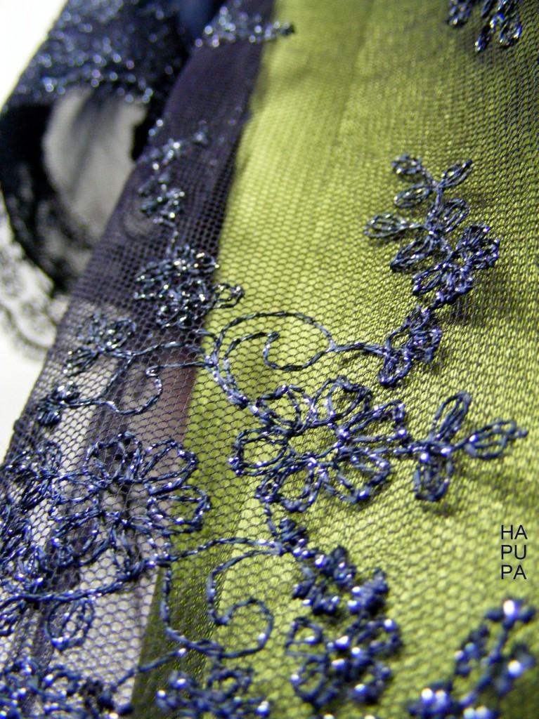 Šaty satén akrajka
