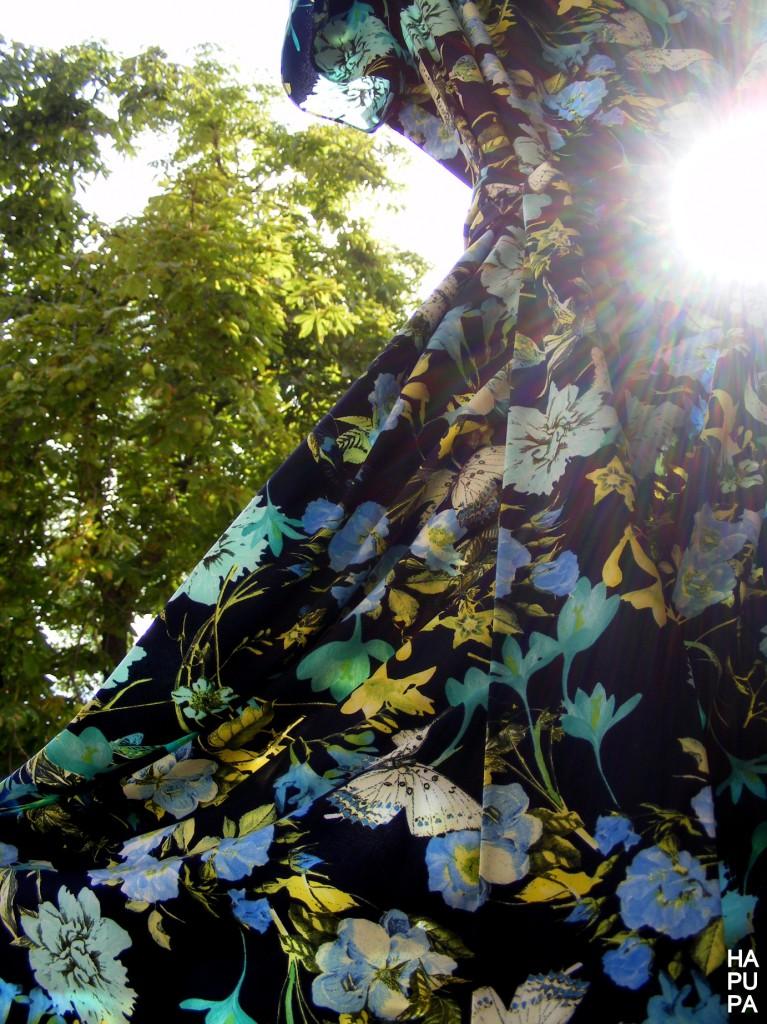 Květované modré šaty