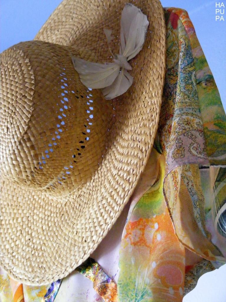 Květinové sametové šaty sproužky