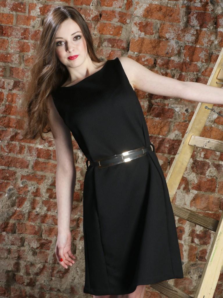 Černé krátké šaty