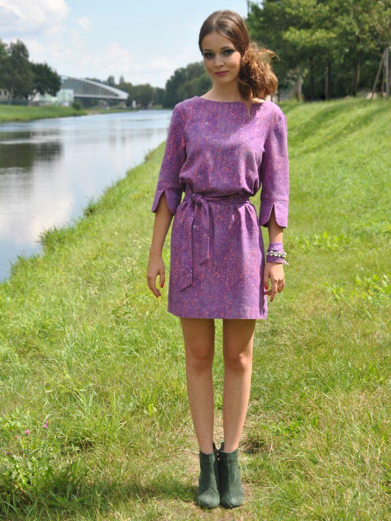 Fotografie pro model – Fialové šaty