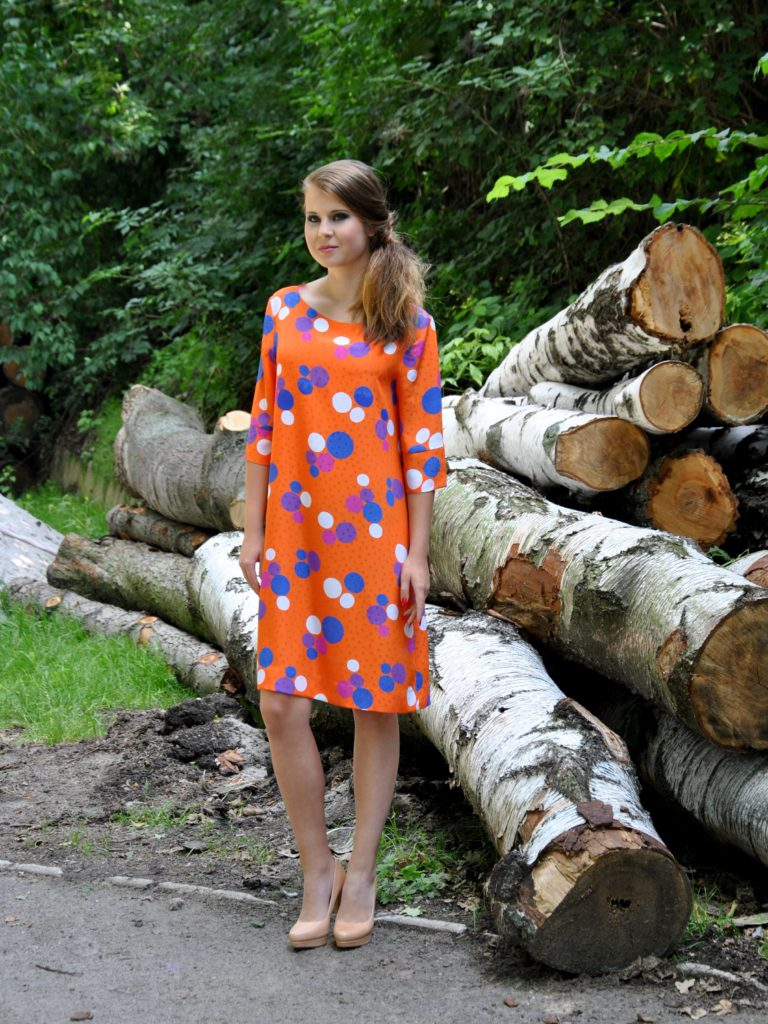 Fotografie pro model – Oranžové šaty