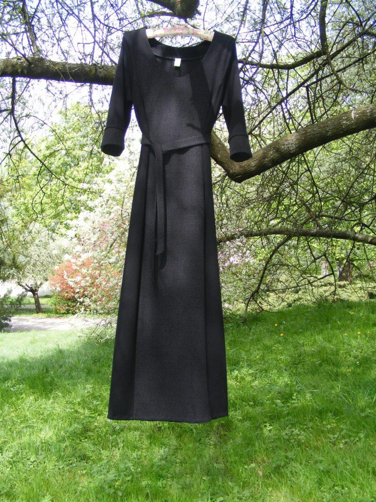 Fotografie pro model – Dlouhé pouzdrové šaty