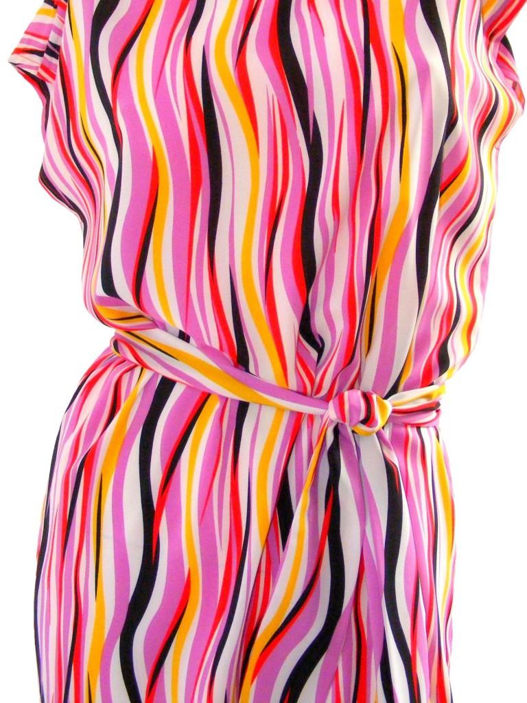 Ležérní vlnkované šaty