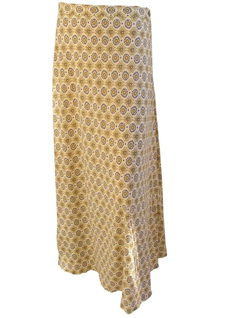 Fotografie pro model – Dlouhá sukně seternalovým vzorem