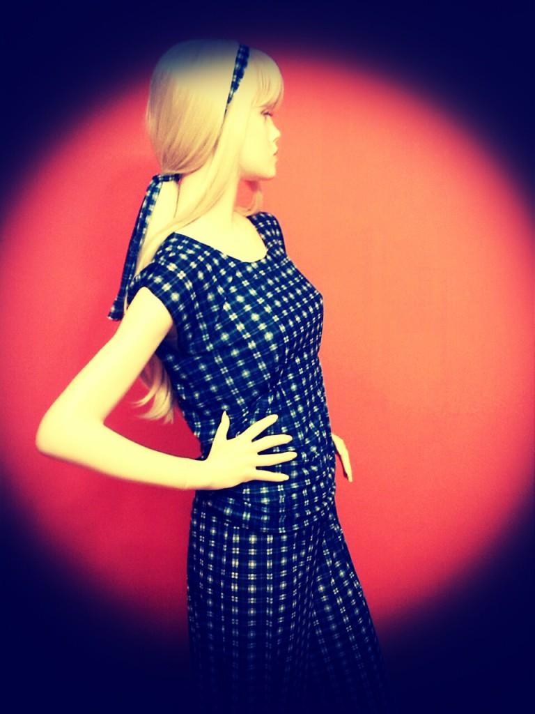 Fotografie pro model – Modrobílý top akalhoty