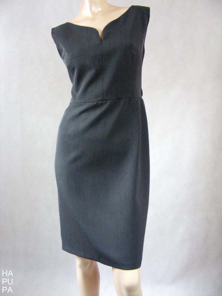 Šedé pouzdrové šaty