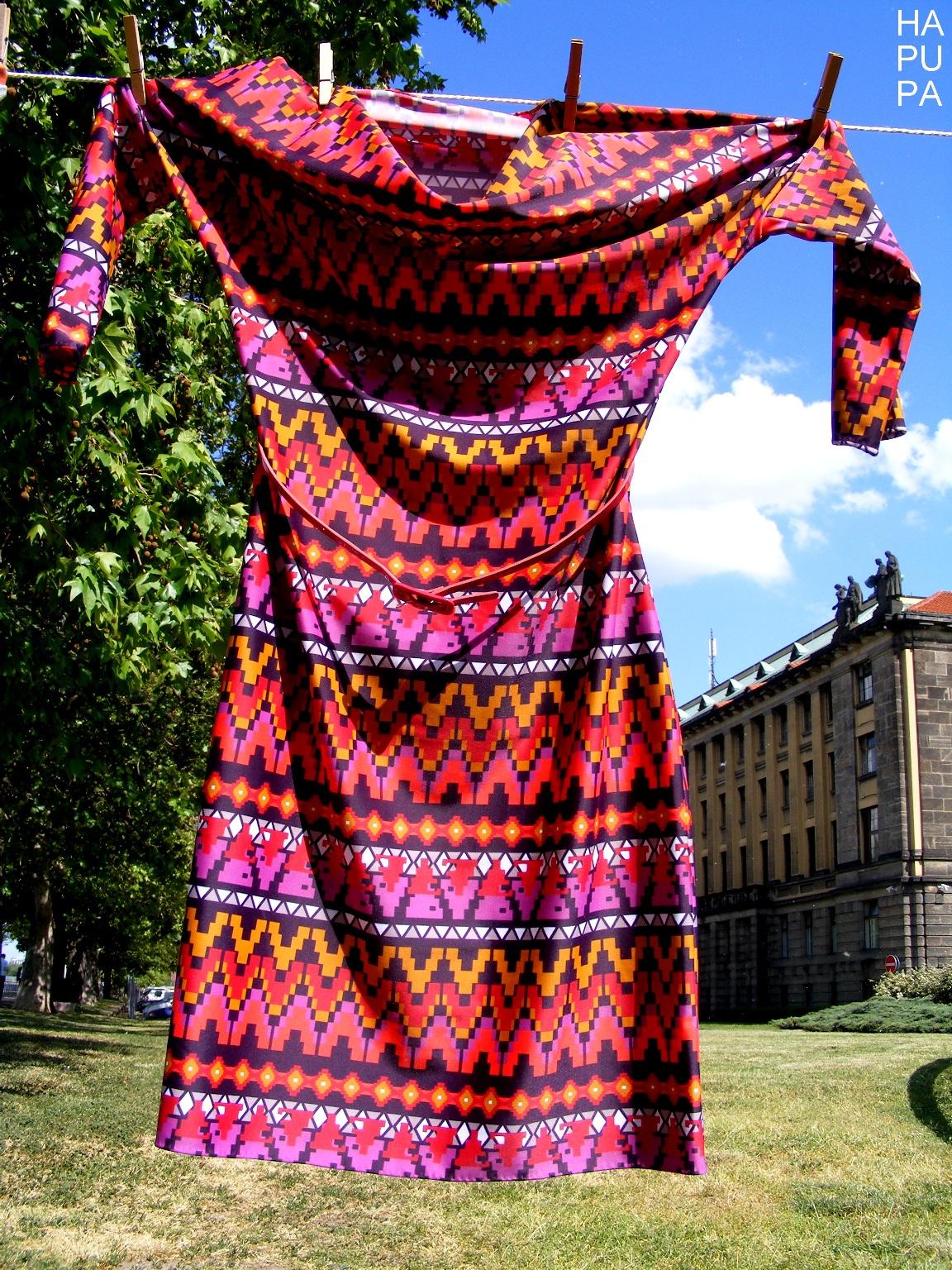 Fotografie pro model – Vzorované šaty