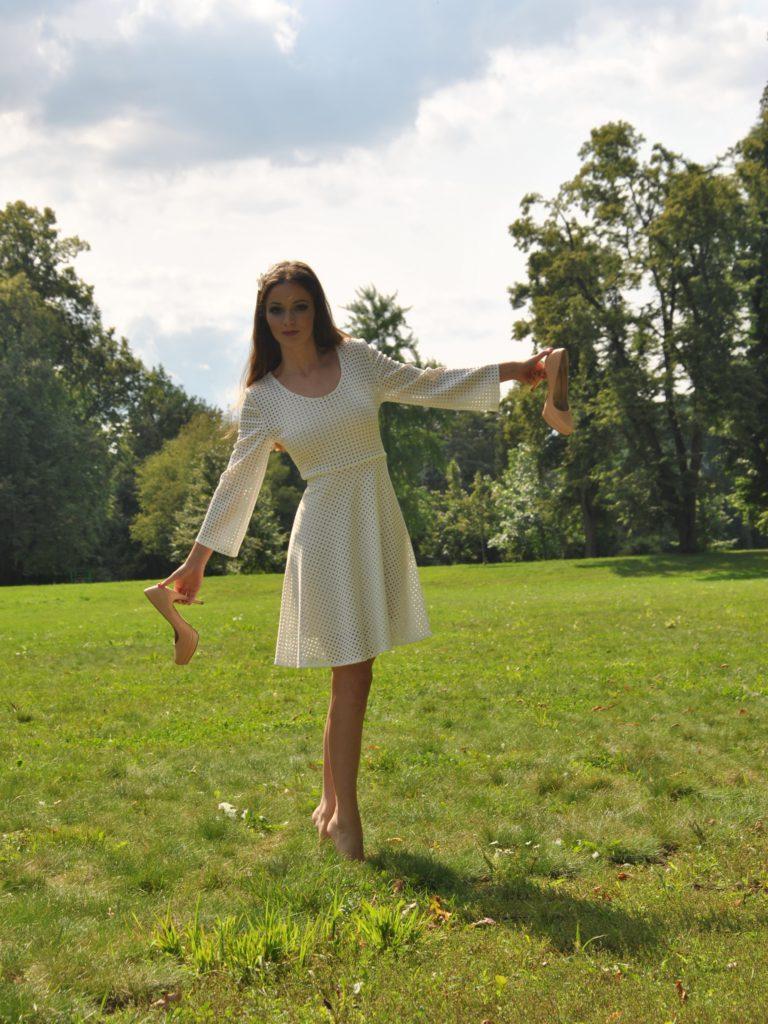 Fotografie pro model – Perforované šaty