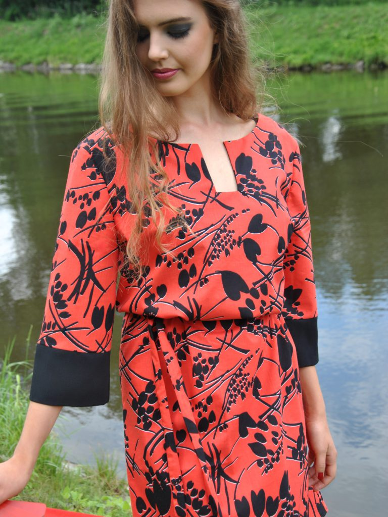 Košilové červené šaty