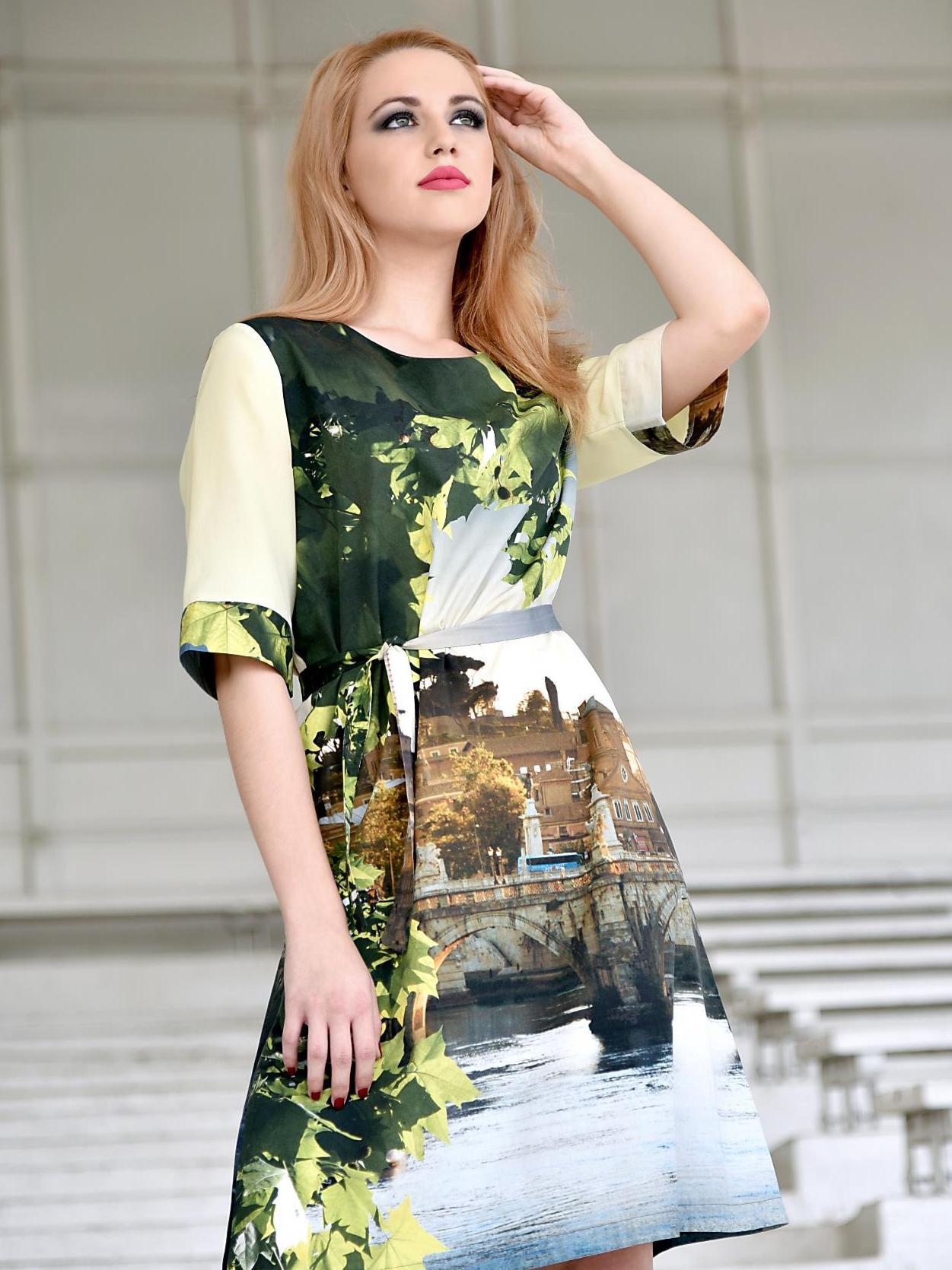 Šaty sřímským vzorem