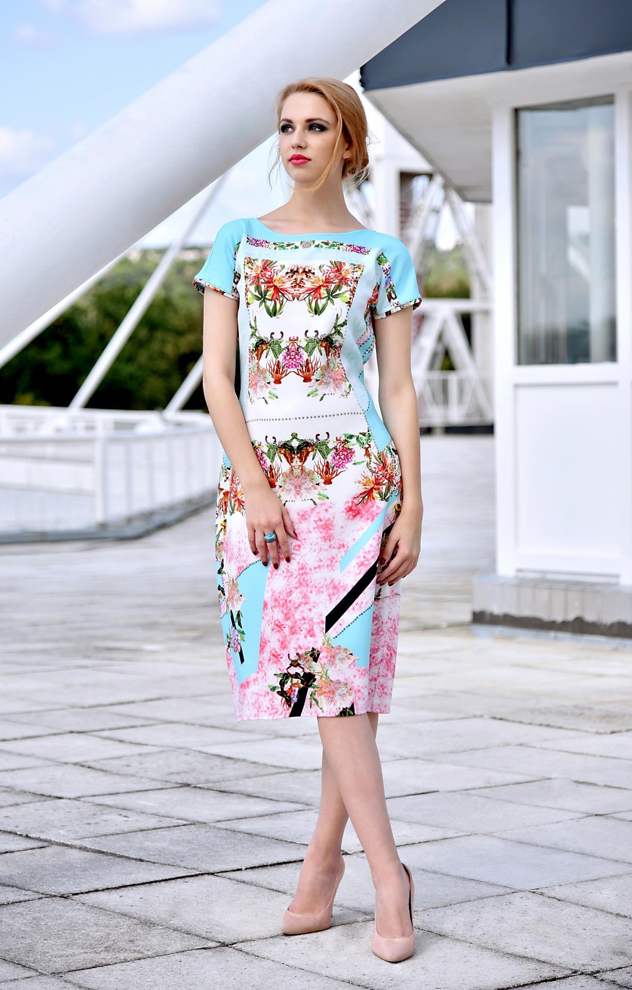 Fotografie pro model – Tyrkysové šaty skvětinami