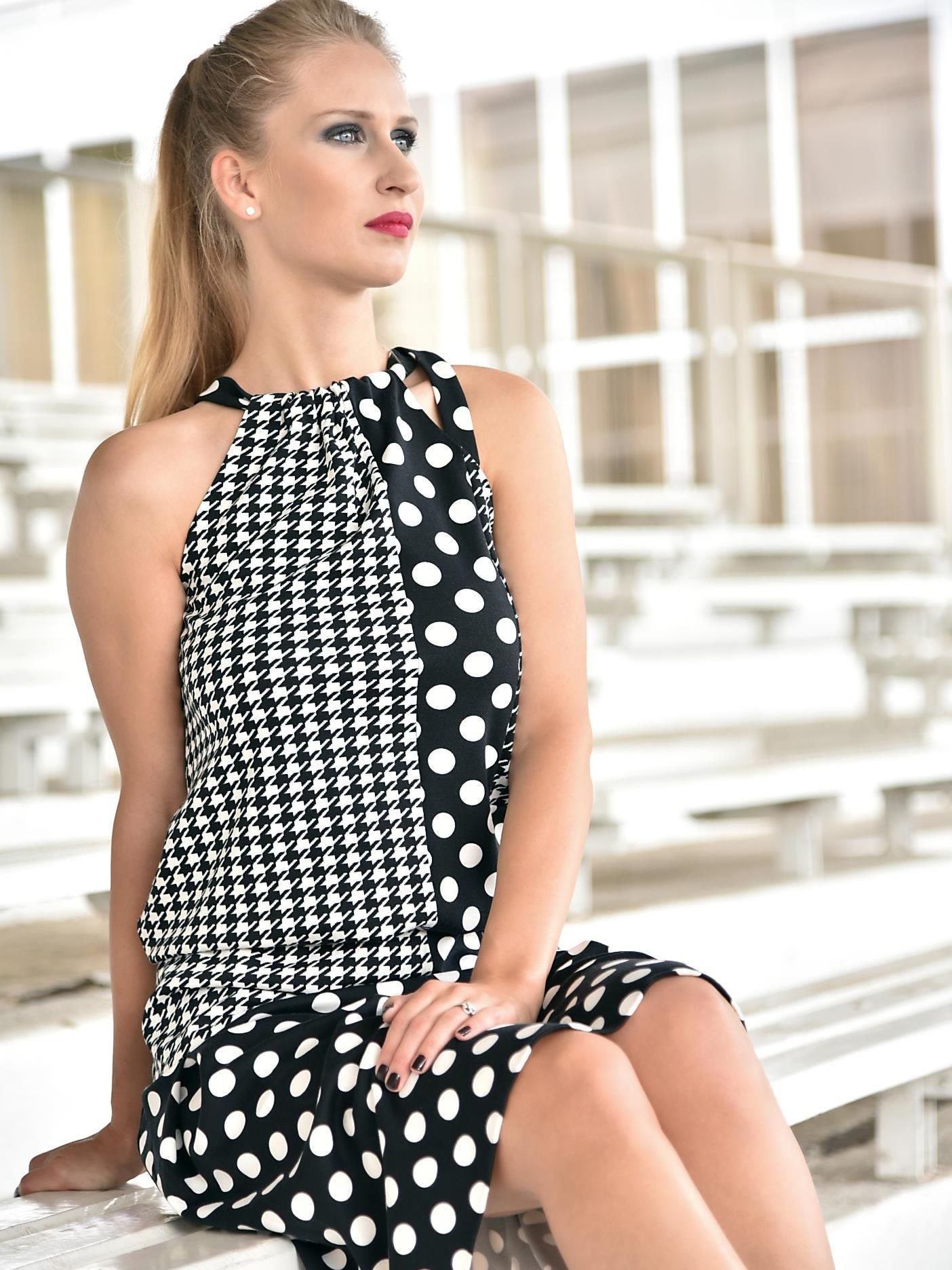 Krátké šaty puntík apepito
