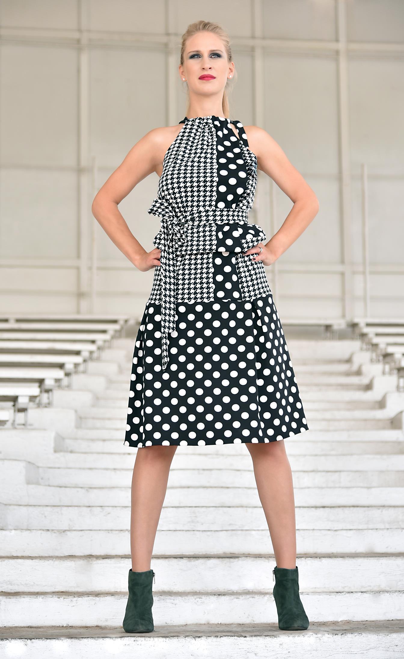 Fotografie pro model – Krátké šaty puntík apepito