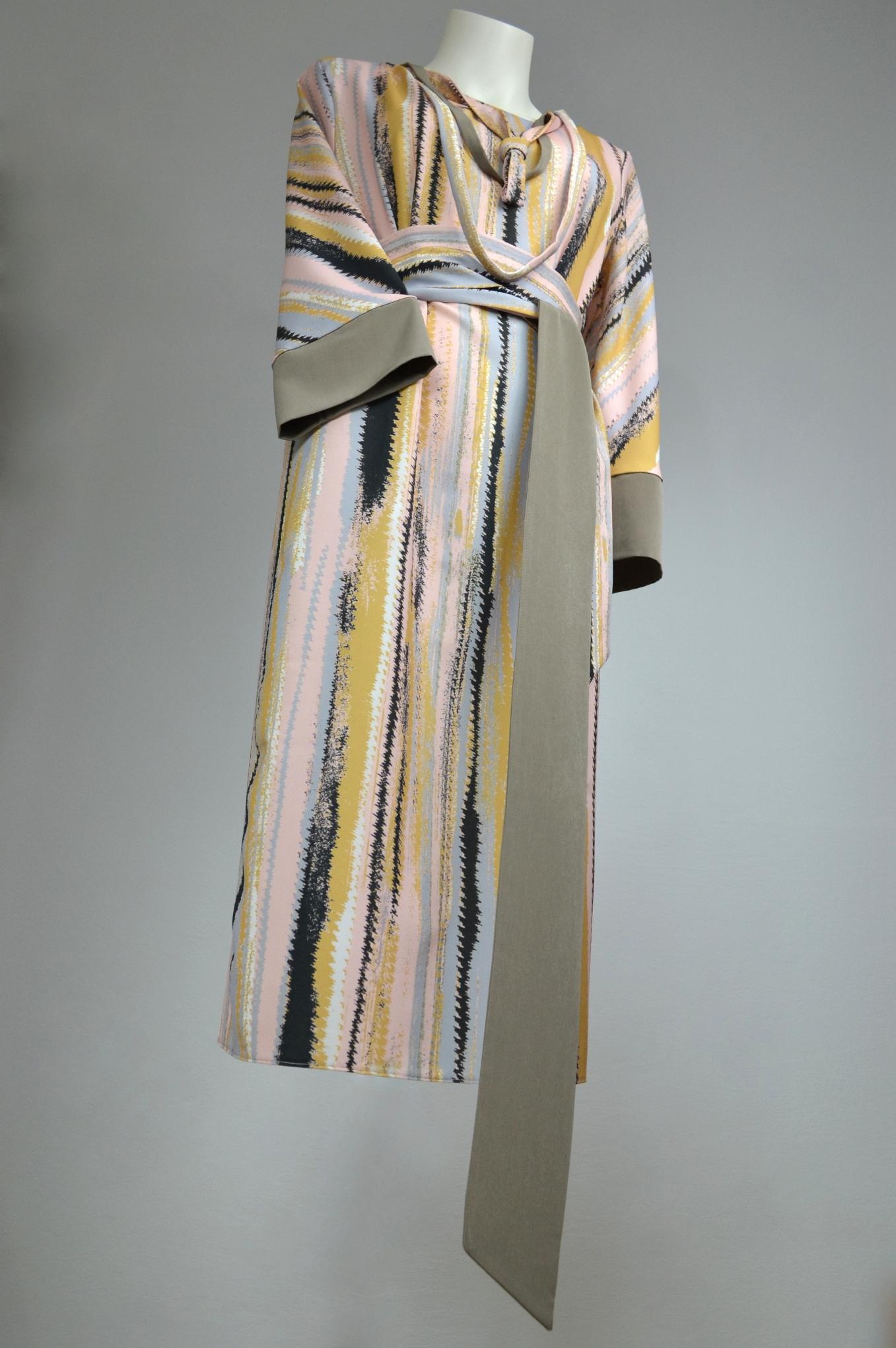 Fotografie pro model – Žíhané šaty