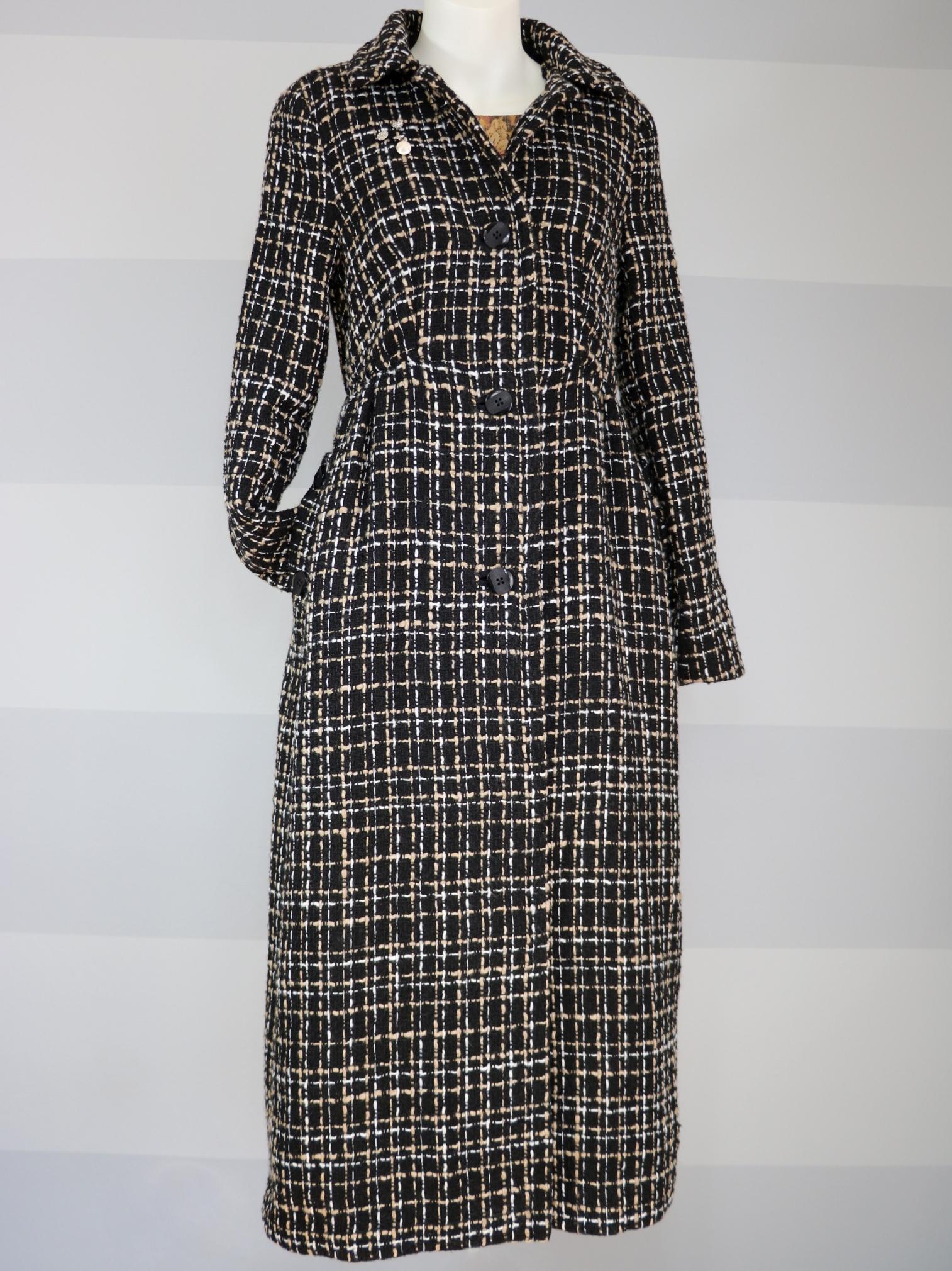 Fotografie pro model – Černý zimní kabát