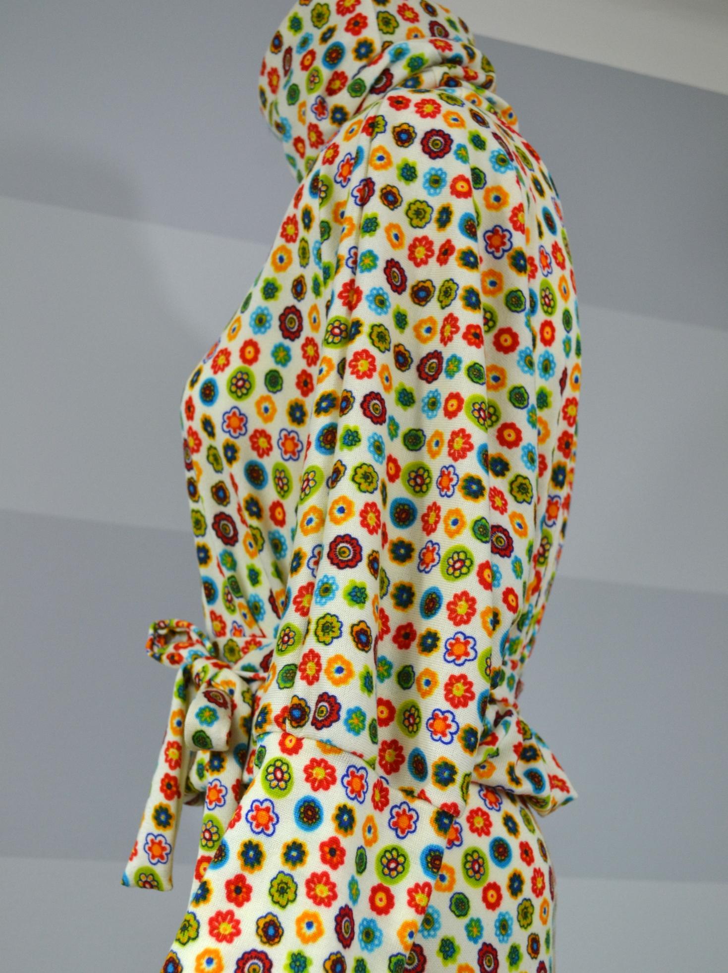 Úpletové šaty skvěty