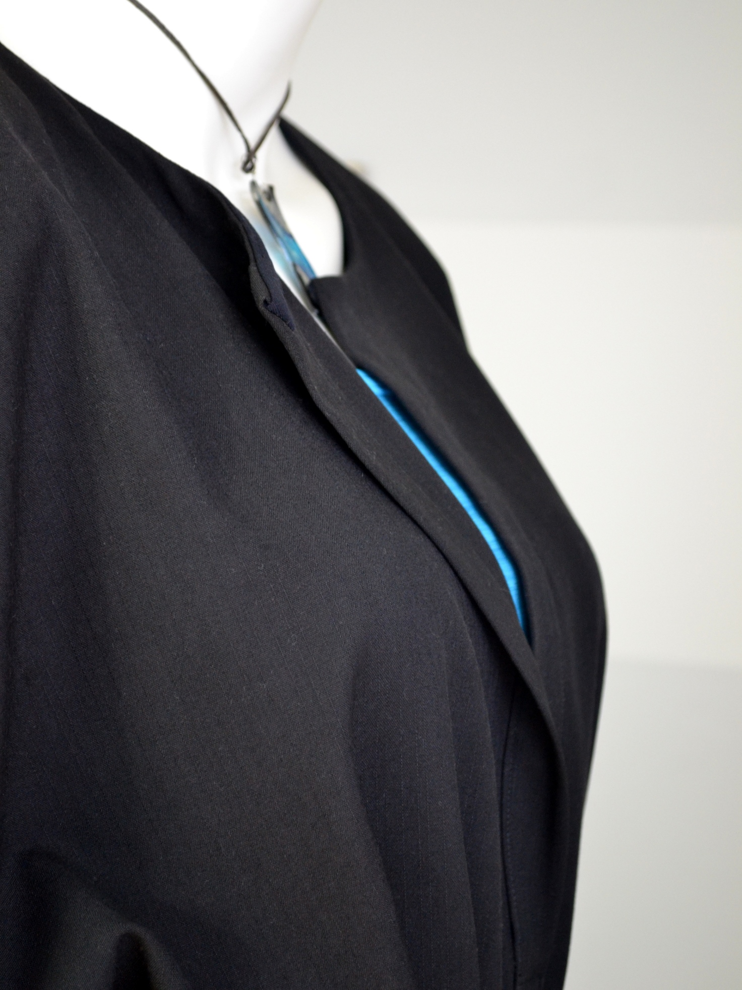 Fotografie pro model – Černé košilové šaty