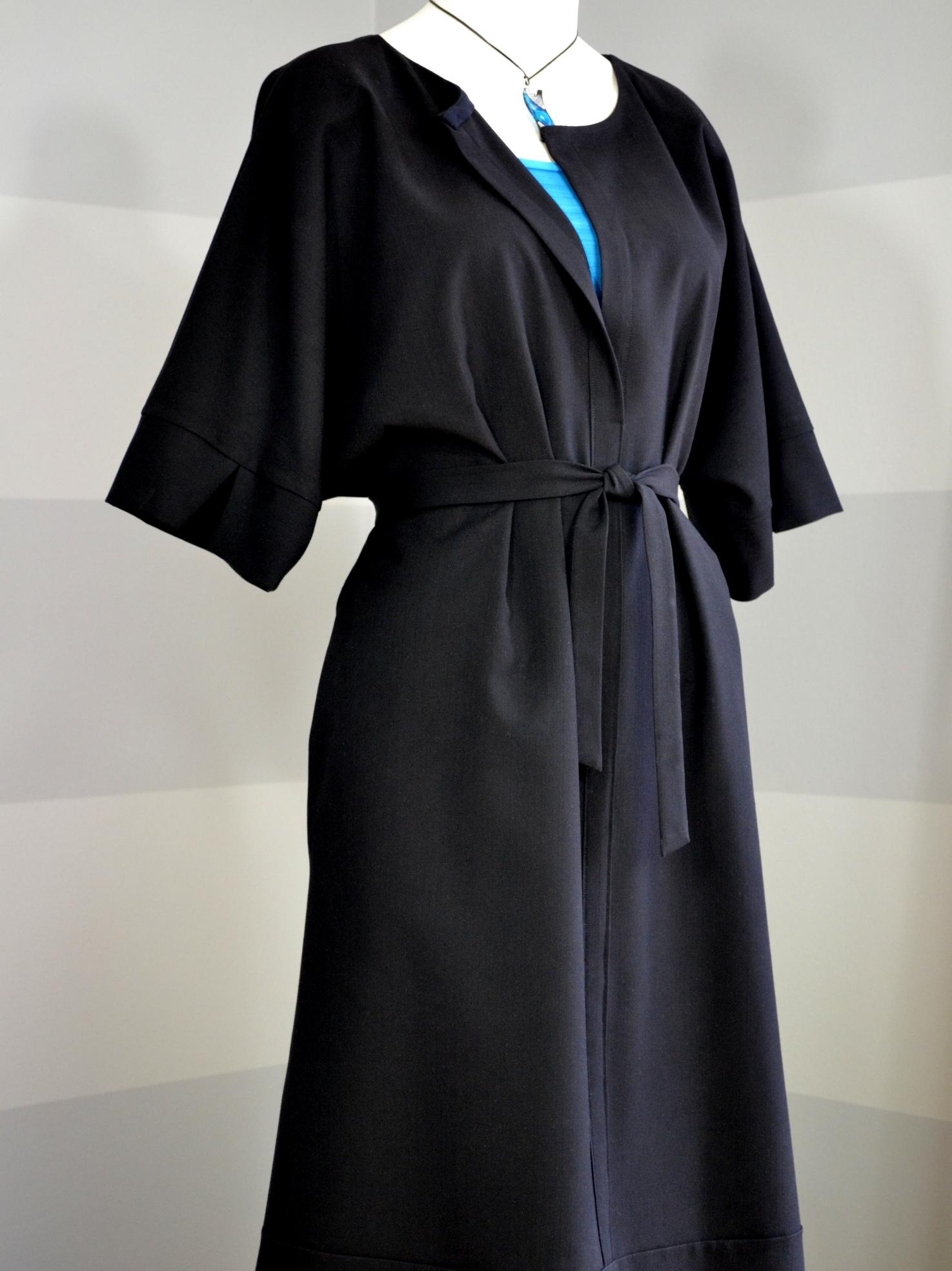 Černé košilové šaty